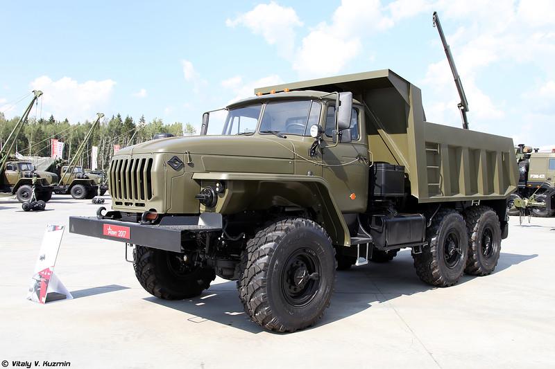 Урал-5557 (Ural-5557)