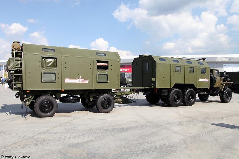 Машина штабная МШ-5350.1 с прицепом штабным ПШ4М (MSh-5350.1 staff vehicle with PSh4M trailer)