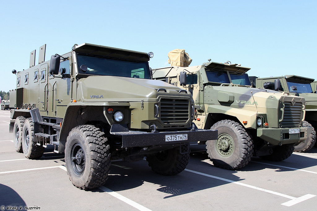 Бронеавтомобили Урал-432009 Урал-ВВ и Урал-53099 Тайфун-У (Ural-432009 Ural-VV and Ural-53099 Typhoon-U)