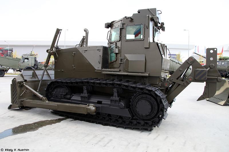 Бульдозерный агрегат Б10М2.5000С3-Е1Н (B10M2.5000S3-E1N armored bulldozer)