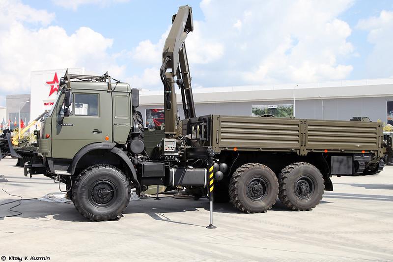 Кран-манипулятор военного назначения КМВ-10В (KMV-10V crane)
