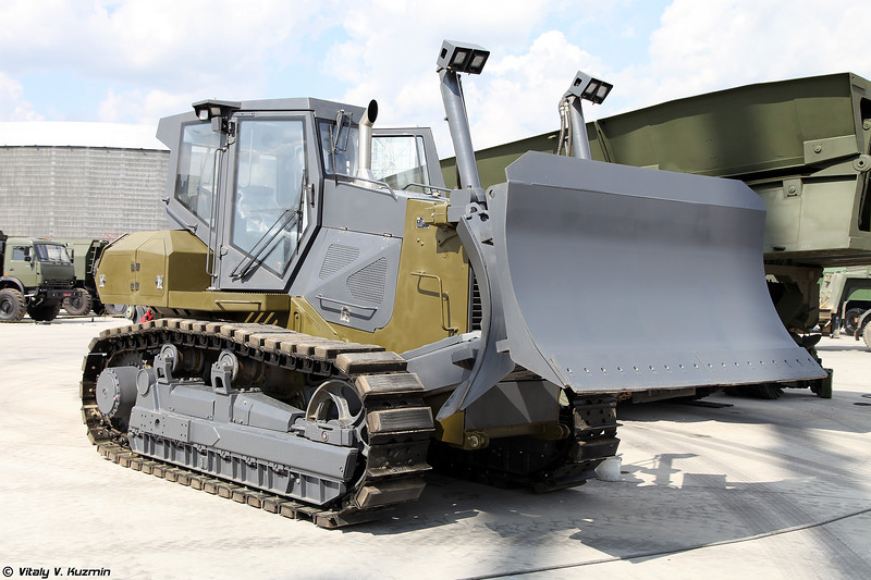 Бульдозер ТМ10.11 ГСТ12 (TM10.11 GST12 bulldozer)