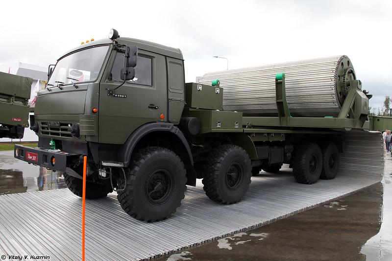 Многоцелевой механизированный комплекс оперативного развертывания временных дорог КРВД (KRVD temporary roads construction vehicle)