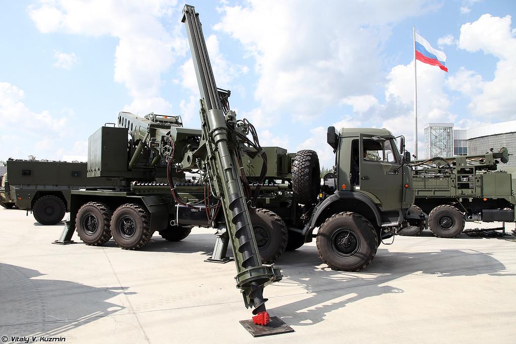 Бурильно-ударная машина БУМ-2 (BUM-2 drilling vehicle)