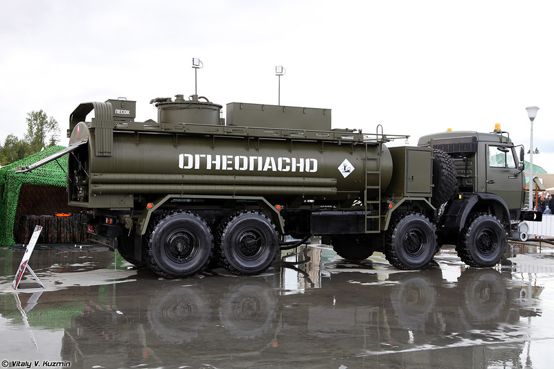 Автомобильная цистерна АЦ-14-63501 (ATs-14-63501 fuel truck)