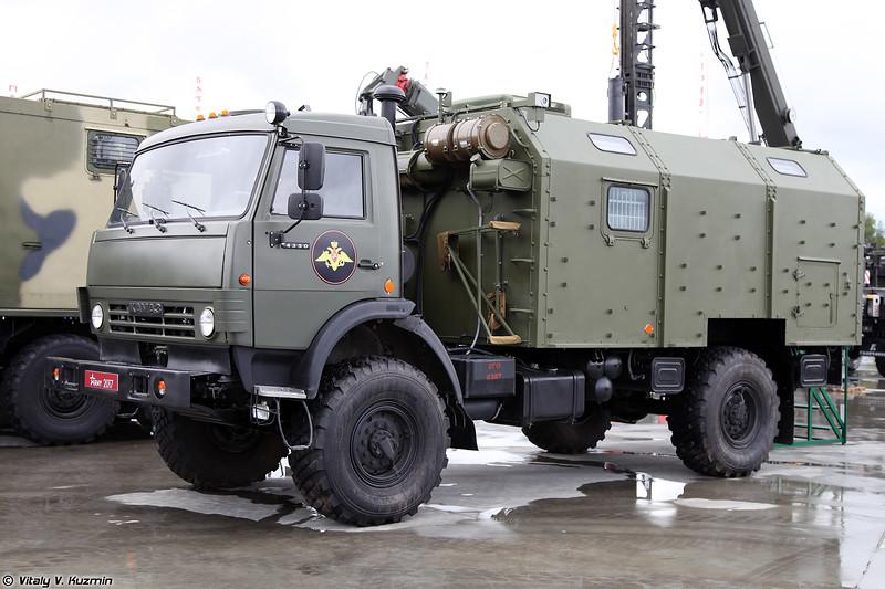 Подвижный навигационно-геодезический комплекс ПНГК-1 (PNGK-1 navigation and geodesic vehicle)