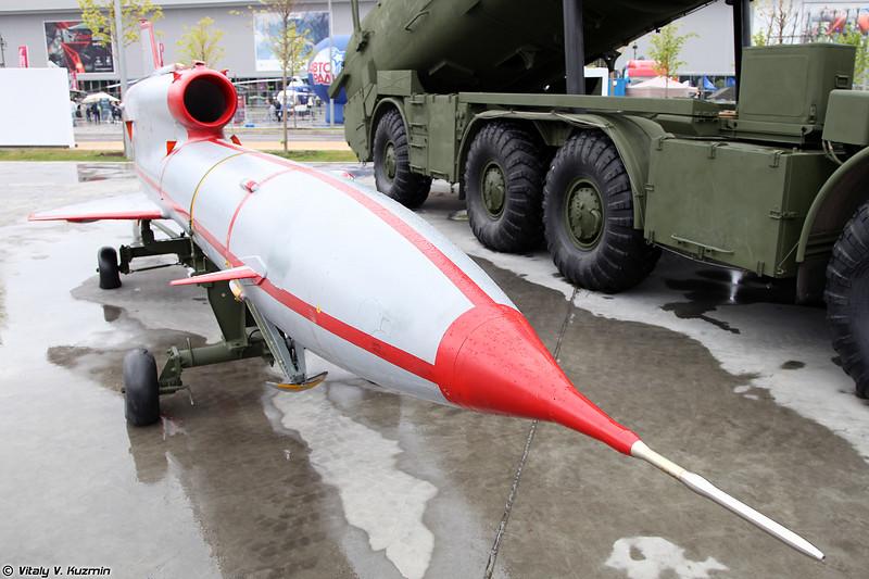 БПЛА Ту-143 из состава комплекса ВР-3 Рейс (Tu-143 UAV from VR-3 Reys system)