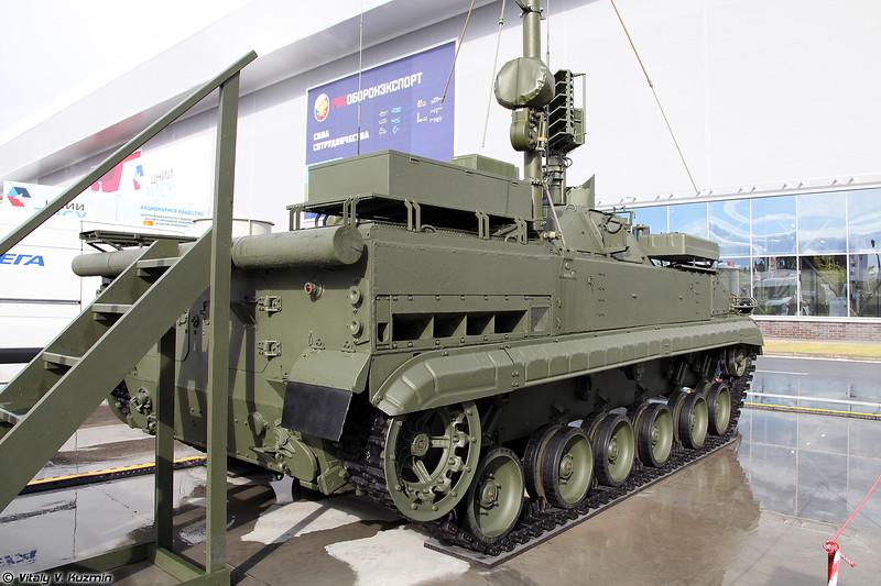Модуль разведки и управления 9С932-1 с РЛС 1Л122-1Е на базе БМП-3 (9S932-1 reconnaissance and command vehicle with 1L122-1E radar on BMP-3 base)