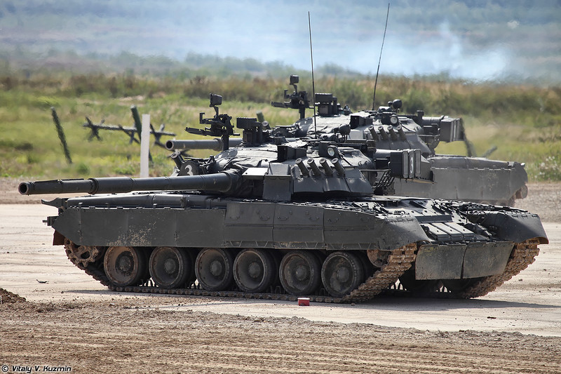 Танк Т-80У (T-80U main battle tank)