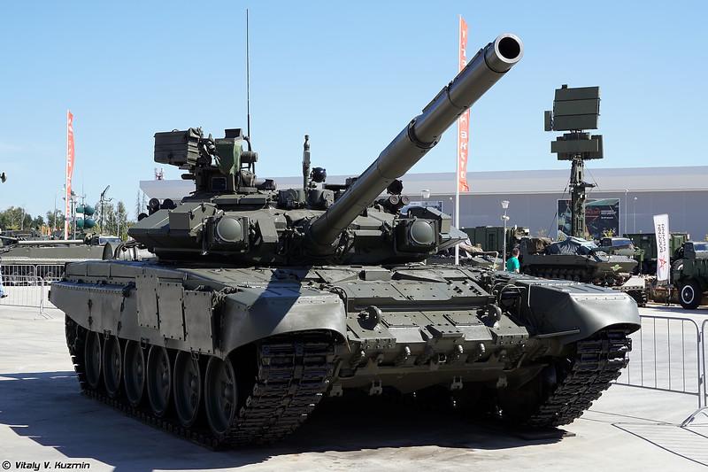 Т-90А (T-90A main battle tank)