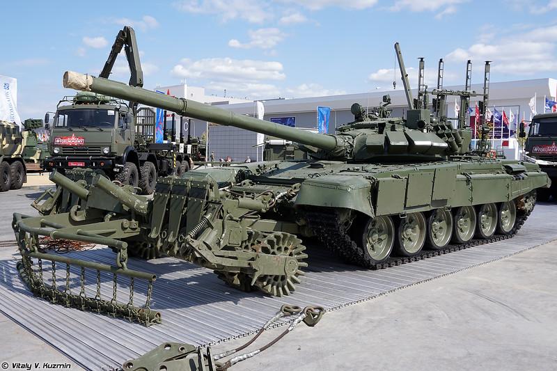 Т-72Б3 и минный трал ТМТ-К (T-72B3 and TMT-K mine plow)
