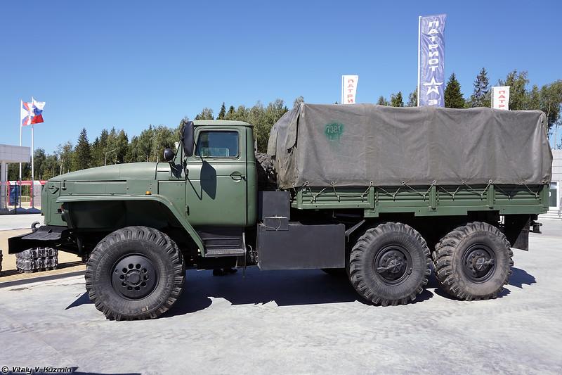Урал-4320-0010-31 ДКЗ (Ural-4320-0010-31 DKZ armored vehicle)