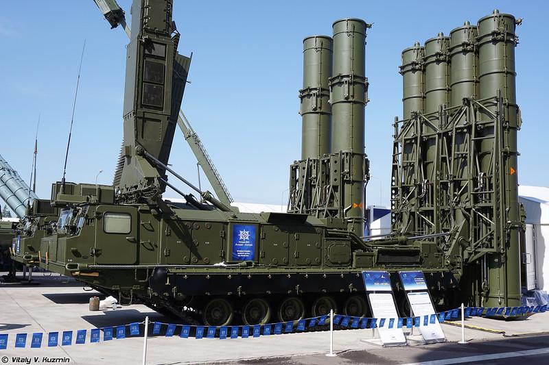Пусковая установка 9А83МЭ ЗРС С-300ВМ Антей-2500 (9A83ME TELAR of S-300VM Antey-2500 system)