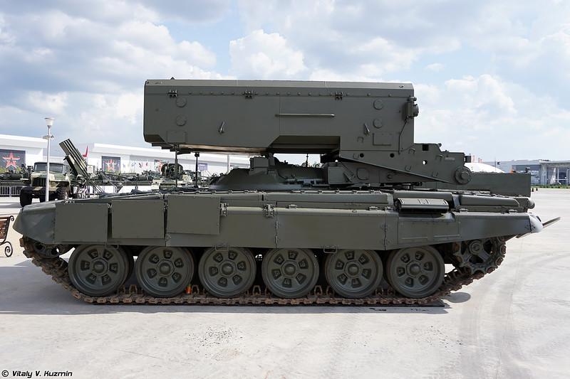 Боевая машина БМ-1 ТОС-1А Солнцепек (BM-1 combat vehicle of TOS-1A heavy flamethrower system)