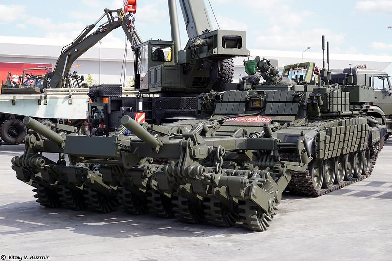 Бронированная машина разминирования БМР-3МА (BMR-3MA mine-clearing vehicle)