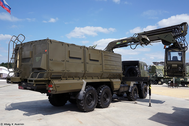 Универсальная тепловая машина УТМ-80М (UTM-80M decontamination vehicle)