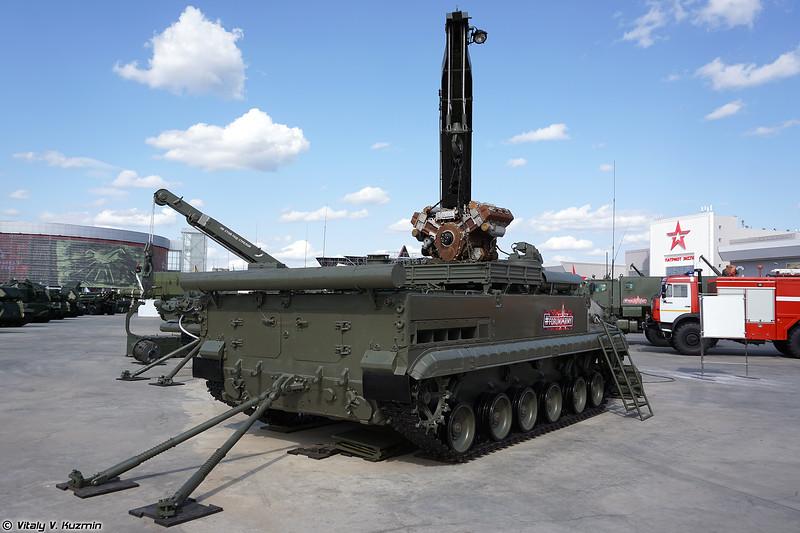 Бронированная ремонтно-эвакуационная машина БРЭМ-Л (BREM-L armored repair and recovery vehicle)