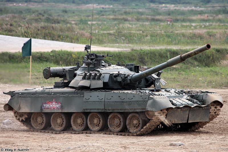 Танк Т-80У (T-80U tank)