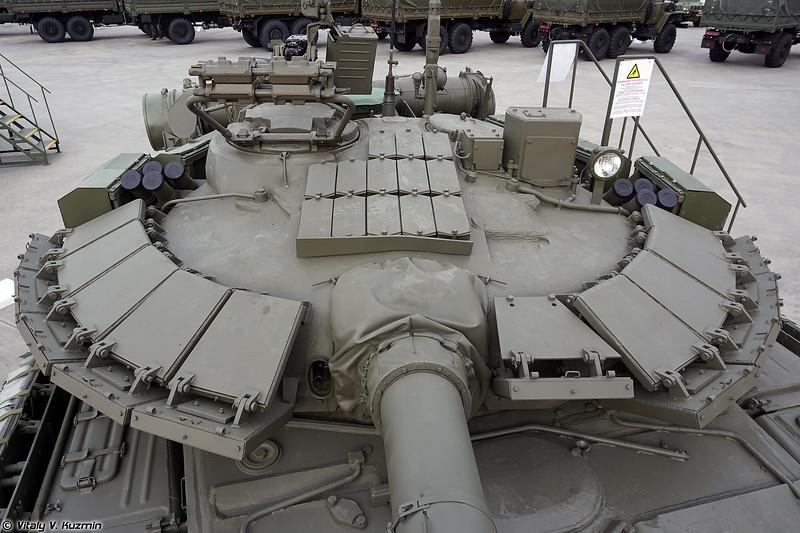 Второй танк Т-80БВМ в эскпозиции (The second T-80BVM at exhibition)
