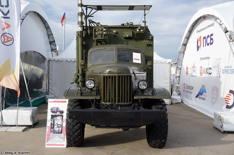 Радиостанция Р-140 (R-140 signal vehicle)