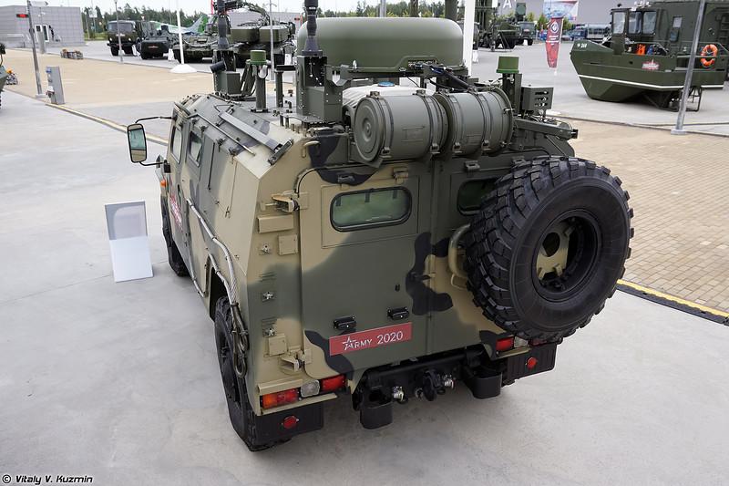 Модернизированная машина управления П-230Т (Upgraded P-230T command and signal vehicle)