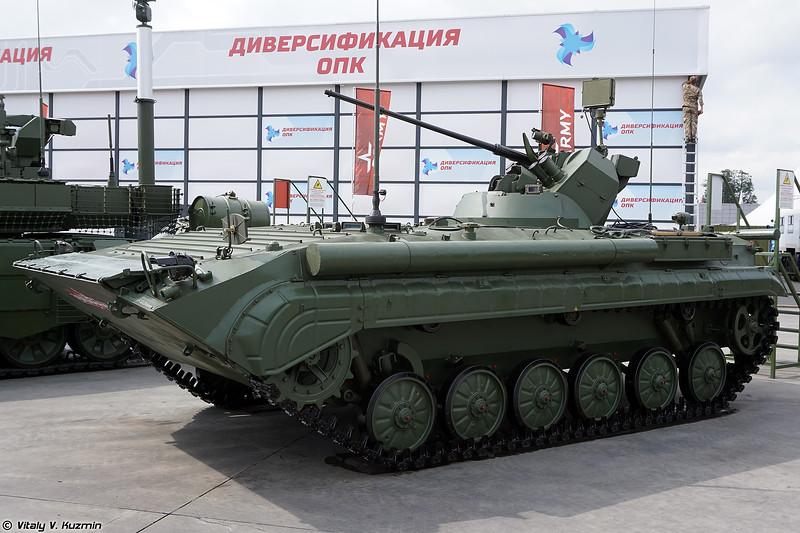 БРМ-1К с новым боевым отделением и РЛС (BRM-1K with new turret and radar)