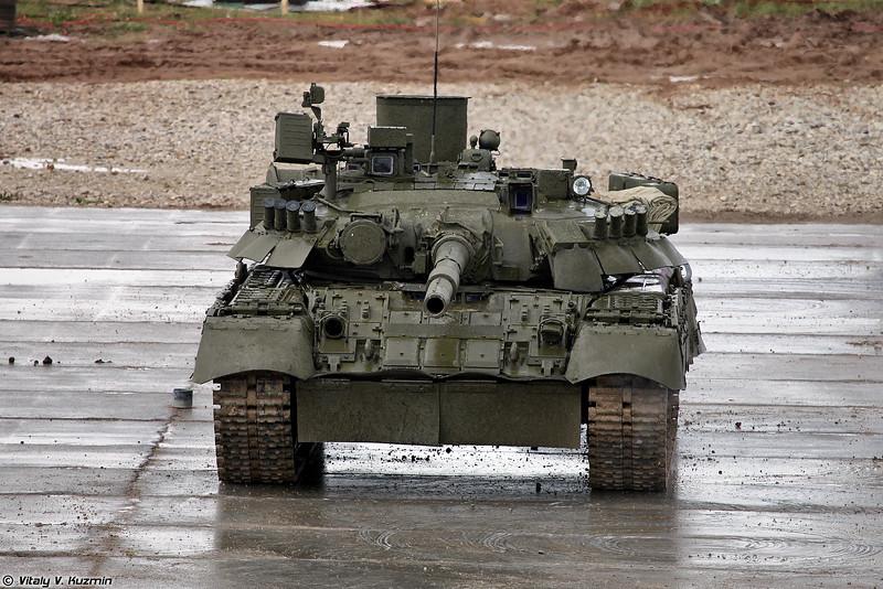 Традиционный танковый балет в исполнении Т-80У (Tank ballet with T-80U)