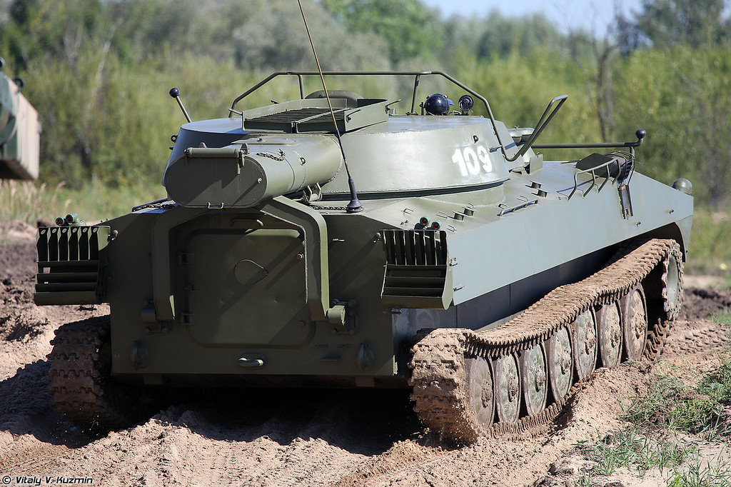 Установка разминирования УР-77 Метеорит (UR-77 Meteorit mine clearing vehicle)