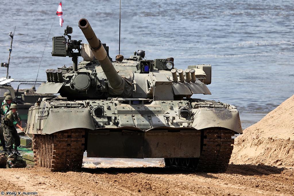 Выход на берег танков Т-80У (T-80U tanks)