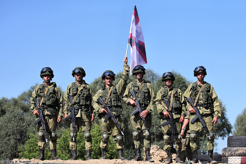 Военнослужащие инженерных войск, участвовавшие в показательном выступлении на открытии соревнований (Participants of opening ceremony of The Final)