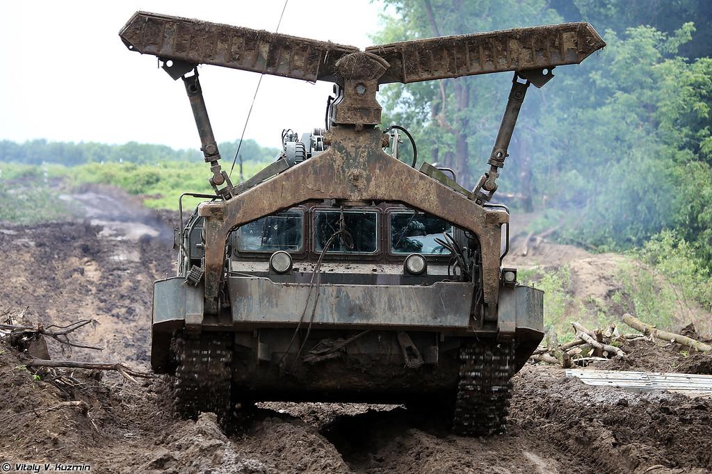 Путепрокладчик БАТ-2 (BAT-2 combat engineering vehicle)