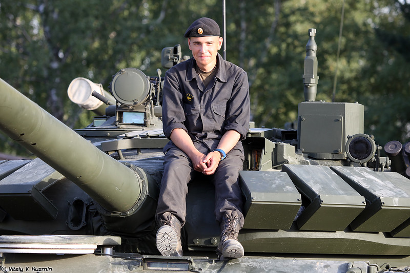 Механик-водитель Т-72Б3 (T-72B3 driver)
