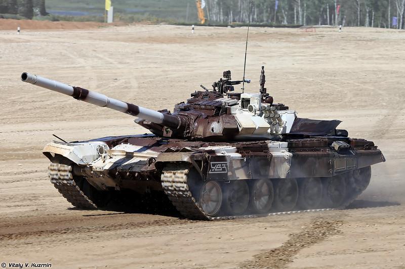 Танк Т-72Б3 обр. 2014, также иногда обозначается как Т-72Б3М,  с демонтированным панорамным прицелом (T-72B3 mod. 2014, also referred to as T-72B3M, with dismounted panoramic sight)