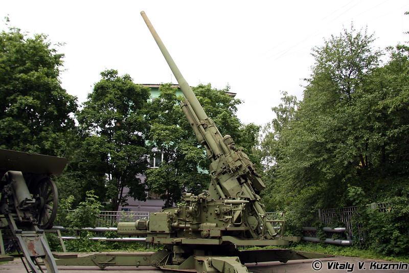 130-мм зенитная пушка КС-30 (130-mm AA gun KS-30)
