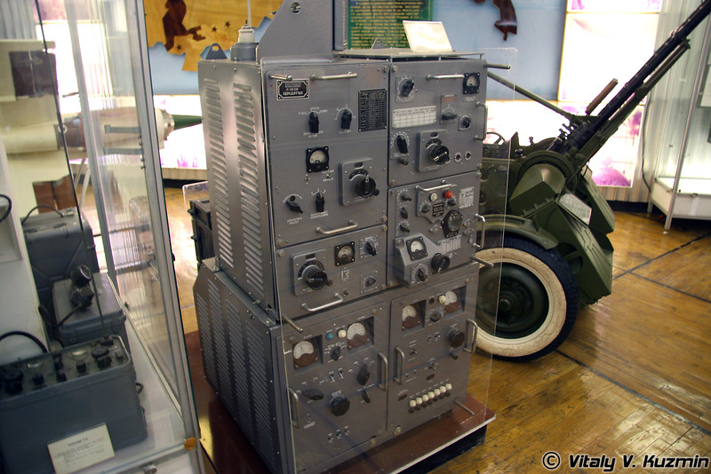 Радиостанция Р-118 обр. 1956г. (R-118 radiostation 1956 model)