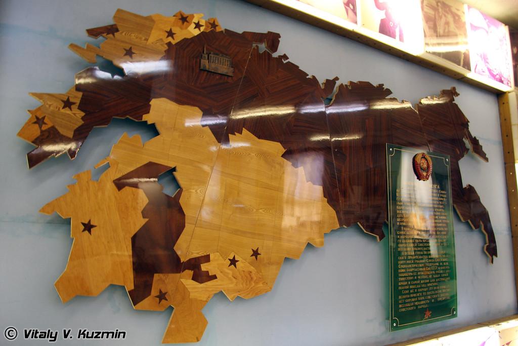 Довольно интересный образец советского дизайна, карта СССР. Посто не мог не сфотографировать (Map of USSR)