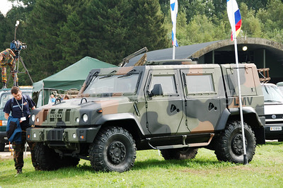 The brand new Iveco Light Multirole Vehicle (LMV). The Belgian Army already ordered 620 of these vehicles (delivery between 2007-2009). For more Iveco LMV photos, click here and enter Iveco LMV in the keyword search box.