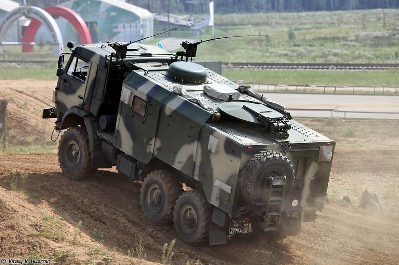 Станция спутниковой связи Р-439-ОД на новом шасси КАМАЗ-5350 из состава АСУВ Андромеда-Д (R-439-OD signal vehicle on KAMAZ-5350 chassis from Andromeda-D command system)