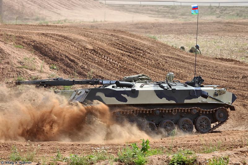 Бронированная ремонтно-эвакуационная машина БРЭМ-Д (BREM-D armored recovery vehicle)