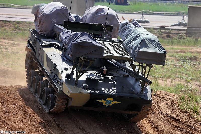 БМД-4М с парашютной системой ПБС-950У (BMD-4M with PBS-950U parachute system)