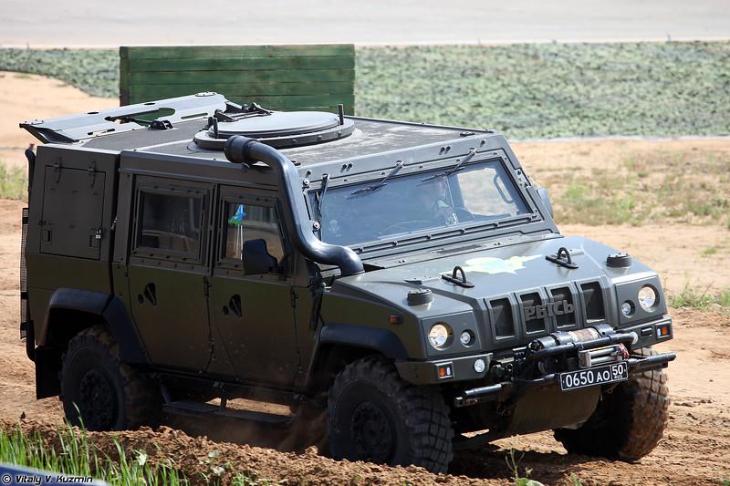 Бронеавтомобиль Рысь / Iveco LMV (Iveco LMV / Rys' armored vehicle)