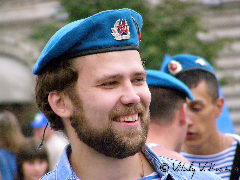 Празднование Дня ВДВ 2 августа 2007 года на Красной площади (Russian Airborne troops day 2007 celebration at the Red Square)