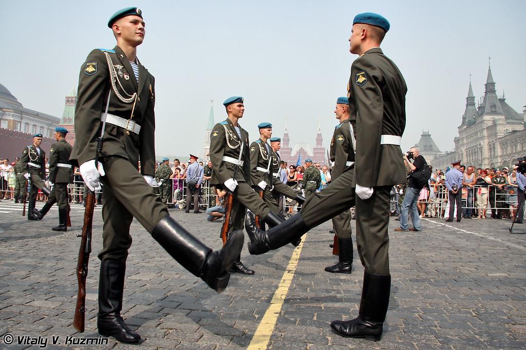 Выступление взвода почетного караула из курсантов РВВДКУ (Honour Guards platoon from Ryazan high military Airborne School RVVDKU)