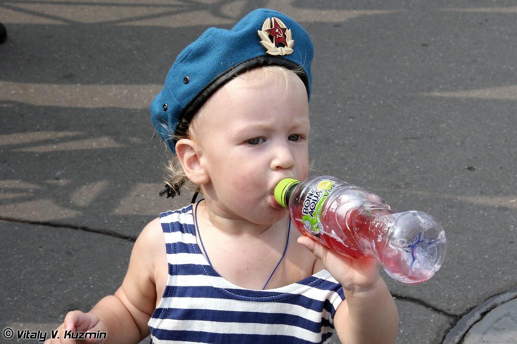 Подрастающее поколение десантников (Young paratroopers)