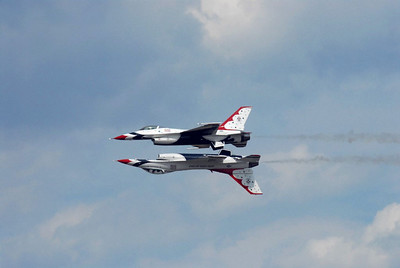 2007 Joint Service Open House, Andrews AFB, MD; USAF Thunderbirds Demonstration