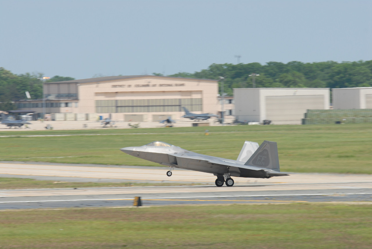 2008 Joint Service Open House Airshow, Andrews Air Force Base, Maryland, USA; USAF F-22 Raptor Flight Demonstration Team