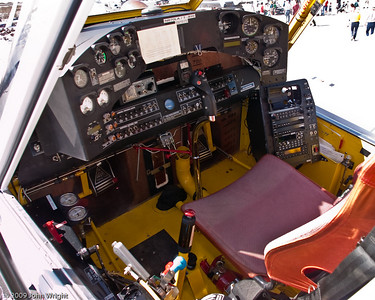 Cockpit of the AIr Tractor 802