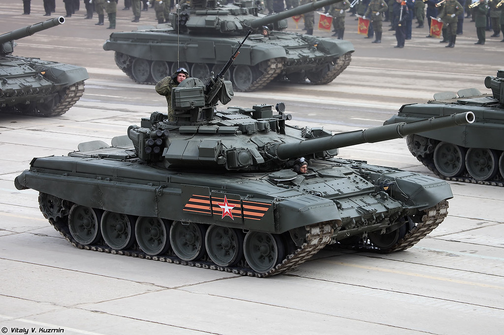 Т-90А (T-90A main battle tank)