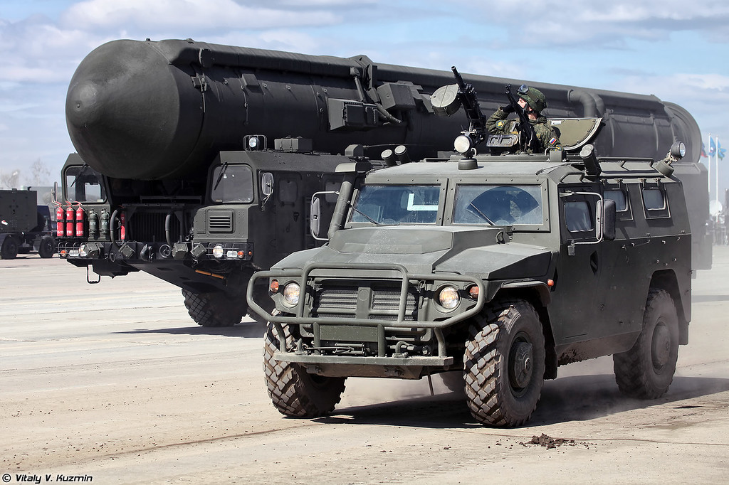 АCН 233115 Тигр-М СПН и АПУ 15У175М комплекса РС-24 Ярс (ASN 233115 Tigr-M SPN armored vehicle and 15U175M TEL from RS-24 Yars)