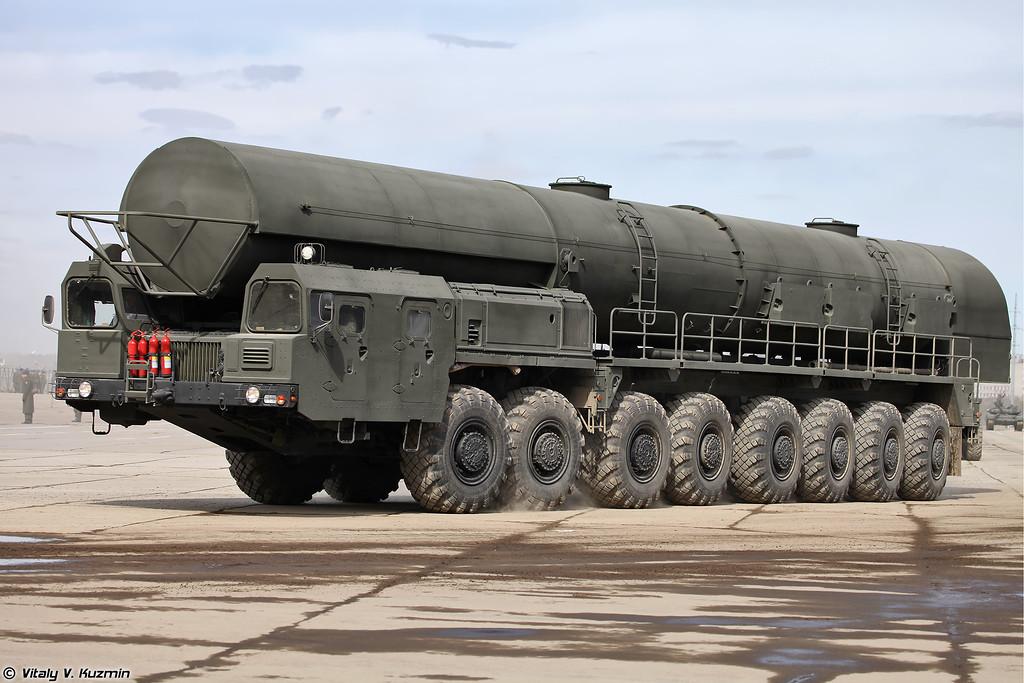 15Т418 агрегат сопровождения колонны технического замыкания ПГРК 15П155М Ярс (15T418 supply vehicle for Yars)